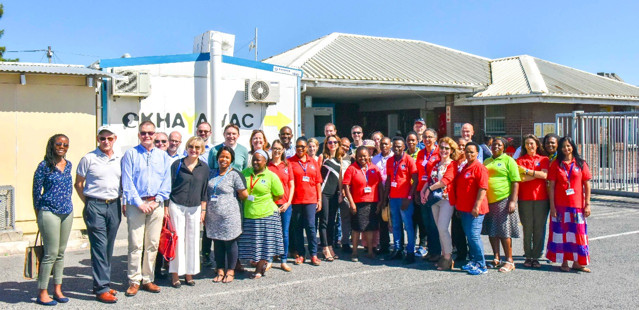 Image of visitors and clinic staff at the research clinic at Site B, Khayelitsha